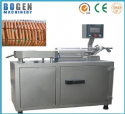 High speed sausage twisting machine